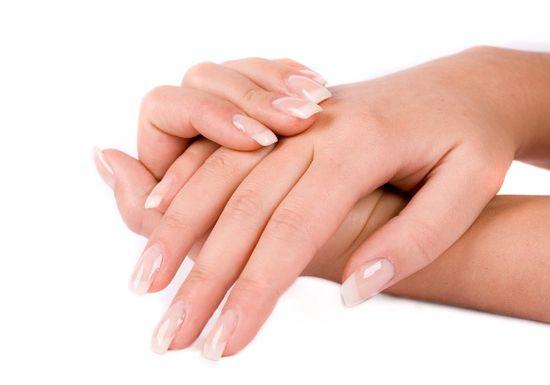 تقشير بشرة اليدين