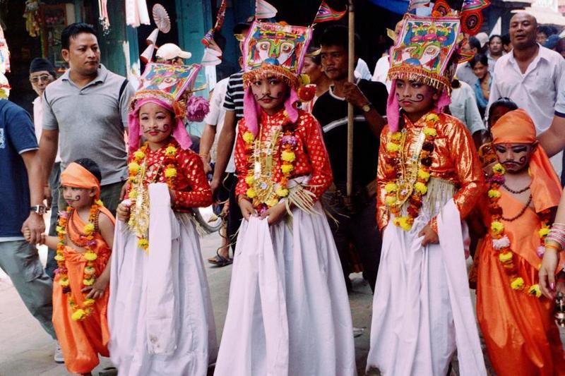 f6dce7058d873 هذا المعتقد هو الذي يقود شعب النيبال إلى إقامة هذا الاحتفال وأداء بعض  الطقوس الغامضة في أواخر فصل الصيف تحت مسمى «جاي جاترا» أو «عيد البقرة» ...