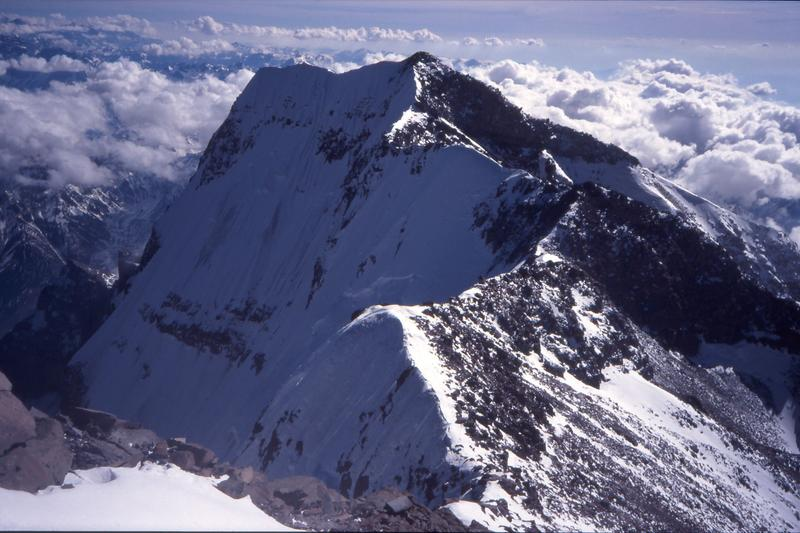"""قمة جبل """"أكونكاغوا"""