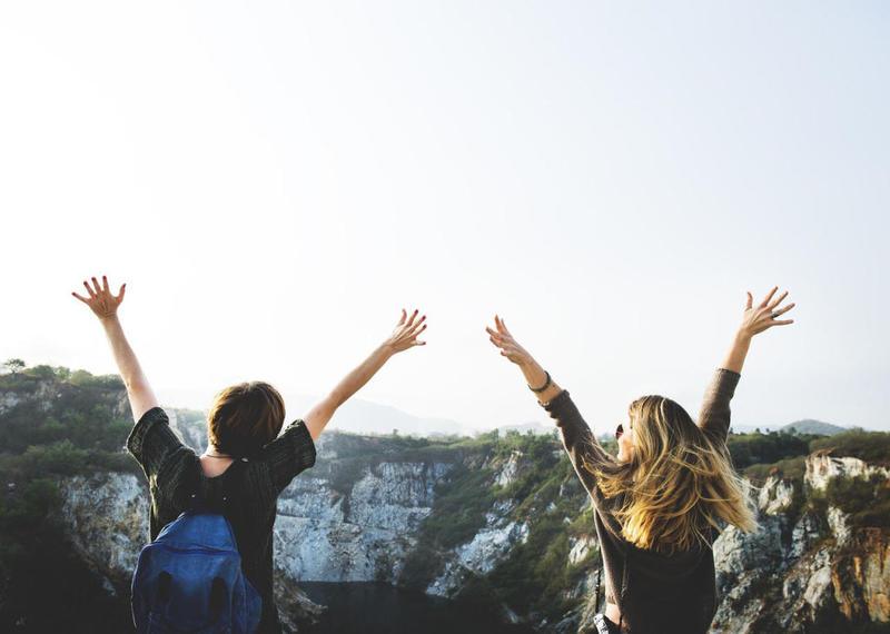 فوائد الصداقة الصحية
