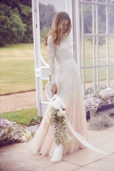 فساتين زفاف صيفية