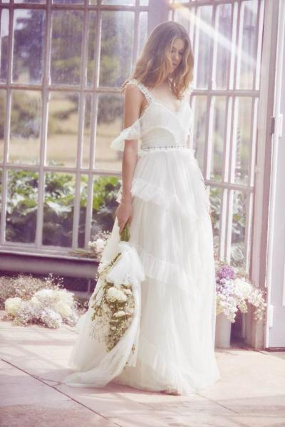 فساتين زفاف ناعمة