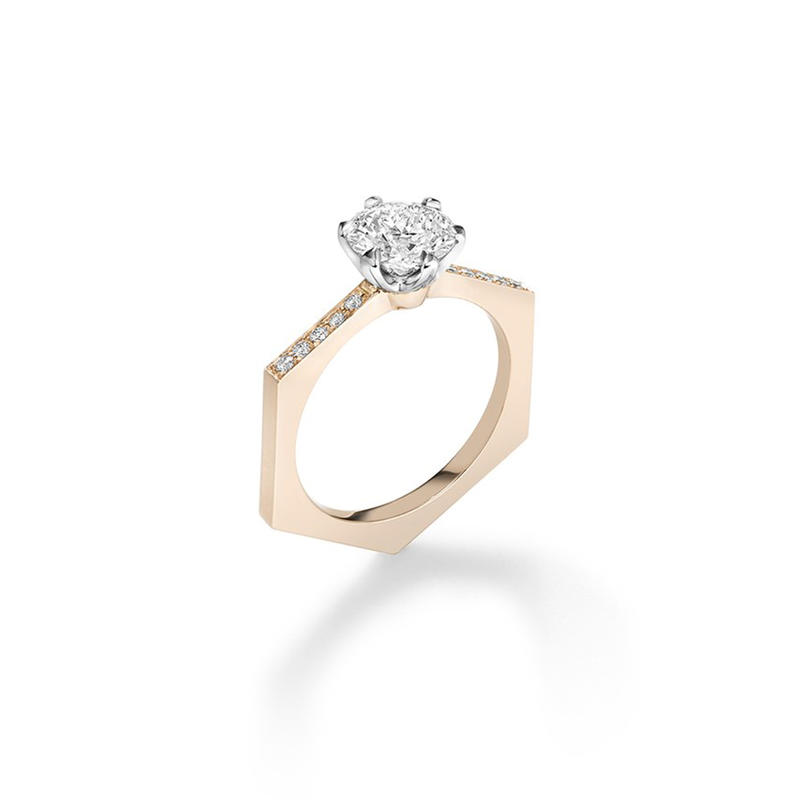 خاتم زفاف بحجر ماسي