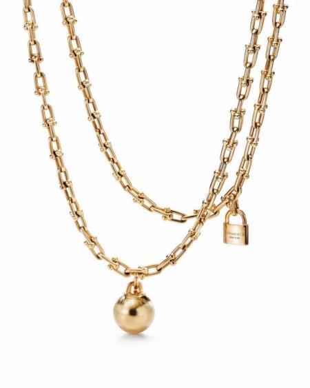 مجوهرات من الذهب