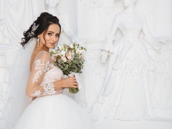 عروس عيون مصر2018/أزياء عروس