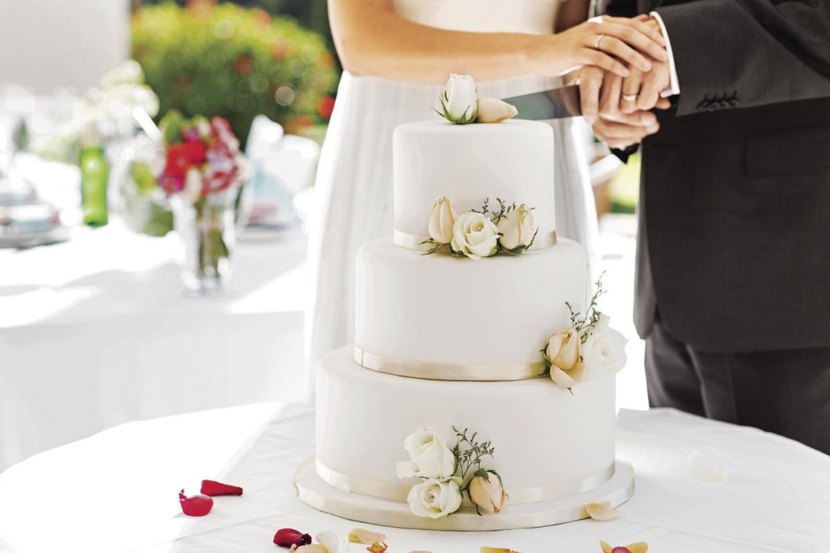 نكهات كيكة الزفاف
