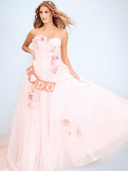 فساتين زفاف ملونة