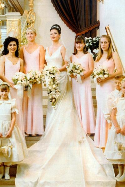 فستان زفاف كاثرين زيتا جونز