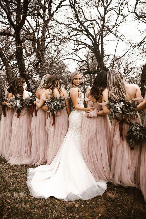 بوكيات ورد وصيفات العروس بأوراق الأوكالبتوس