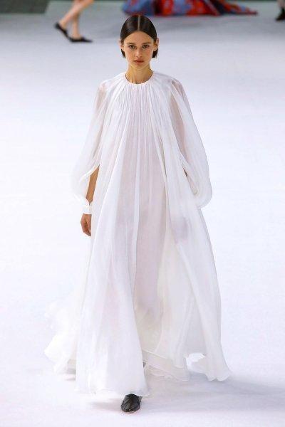 فستان كارولينا هيريرا Carolina Herrera