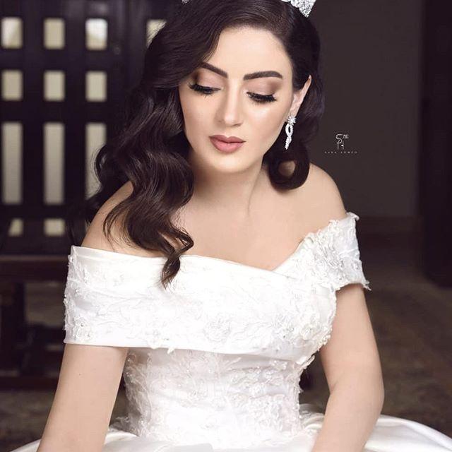دانية الشافعي بفستان الزفاف