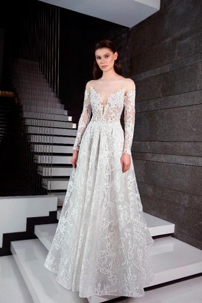 c6dedf0dd457f يمكن وصف فساتين زفاف طوني ورد 2019 بأنها رمز للأنوثة الطاغية، حيث التصاميم  الكلاسيكية مع لمسات عصرية، وقدم عدة صيحات مختلفة مثل الفستان المنفوش  والكاشف ...