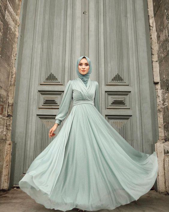 فستان منفوش من الشيفون
