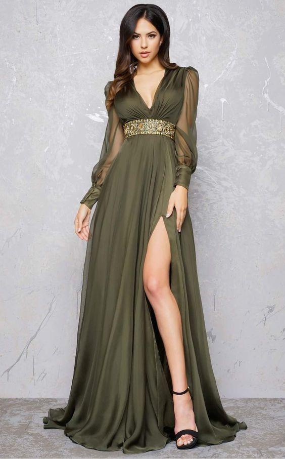 فستان خطوبة بكم شيفون مع فتحة ساق جانبية
