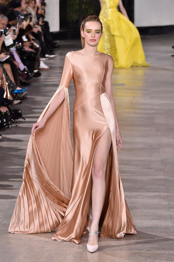 فستان سهرة من تصميم جورج شقرا