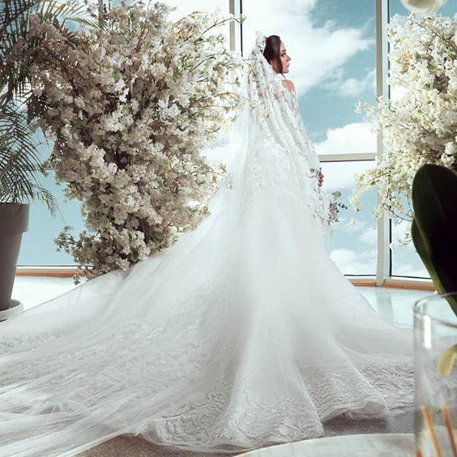 ابنة هيفاء وهبي بفستان الزفاف