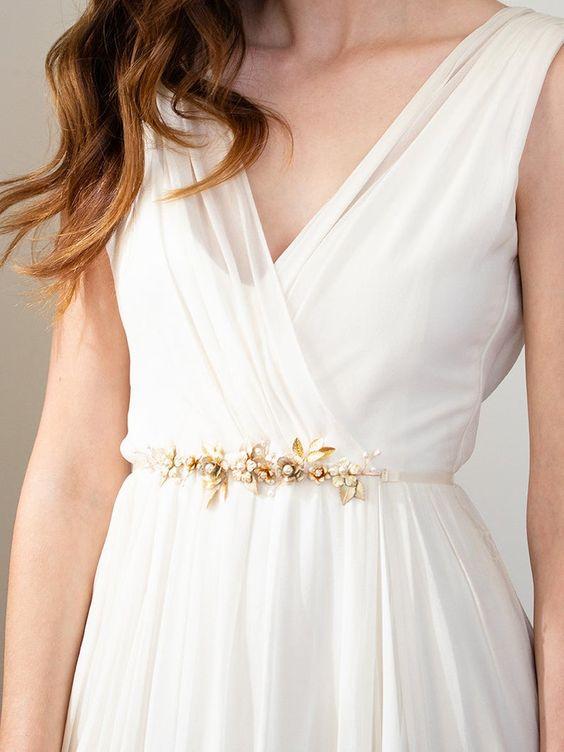 حزام عروس لإطلالة هادئة