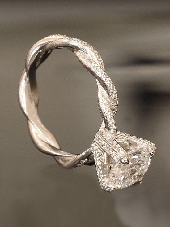خاتم زفاف مميز