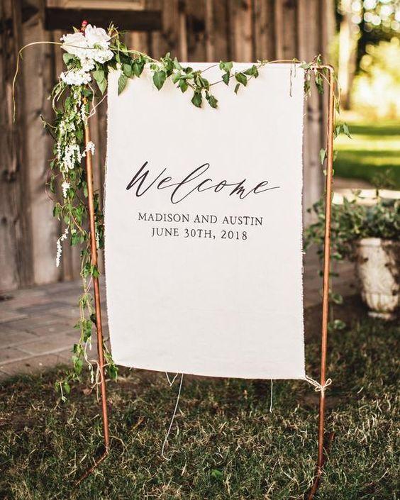 لافتة زفاف مرحة من الجلد والمعدن