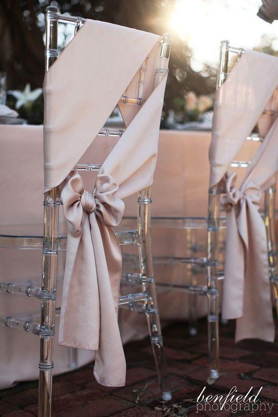 كراسي الزفاف الشفافة