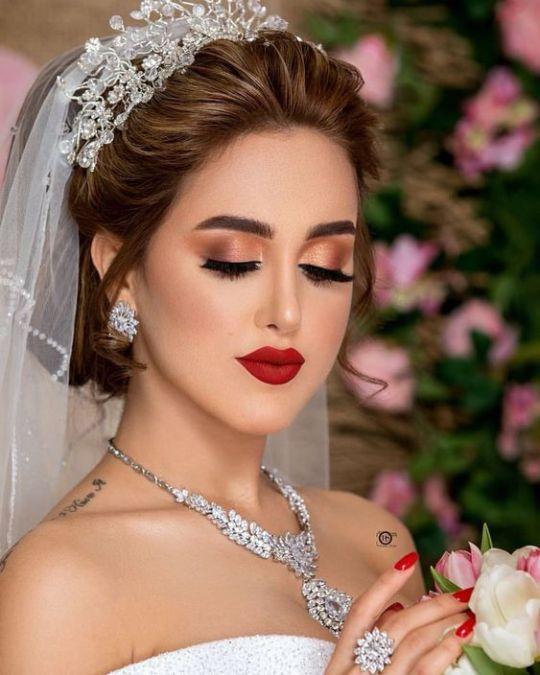 مكياج ذهبي للعروس العربية