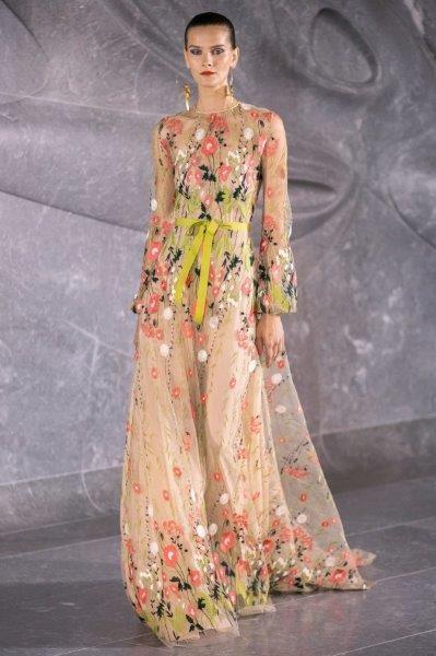 فستان نعيم خان Naeem Khan