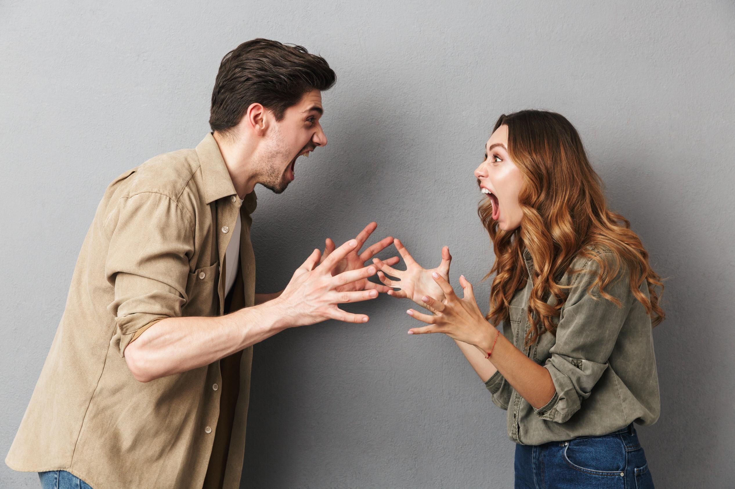 الخيانة تؤدي إلى الإنفصال والطلاق