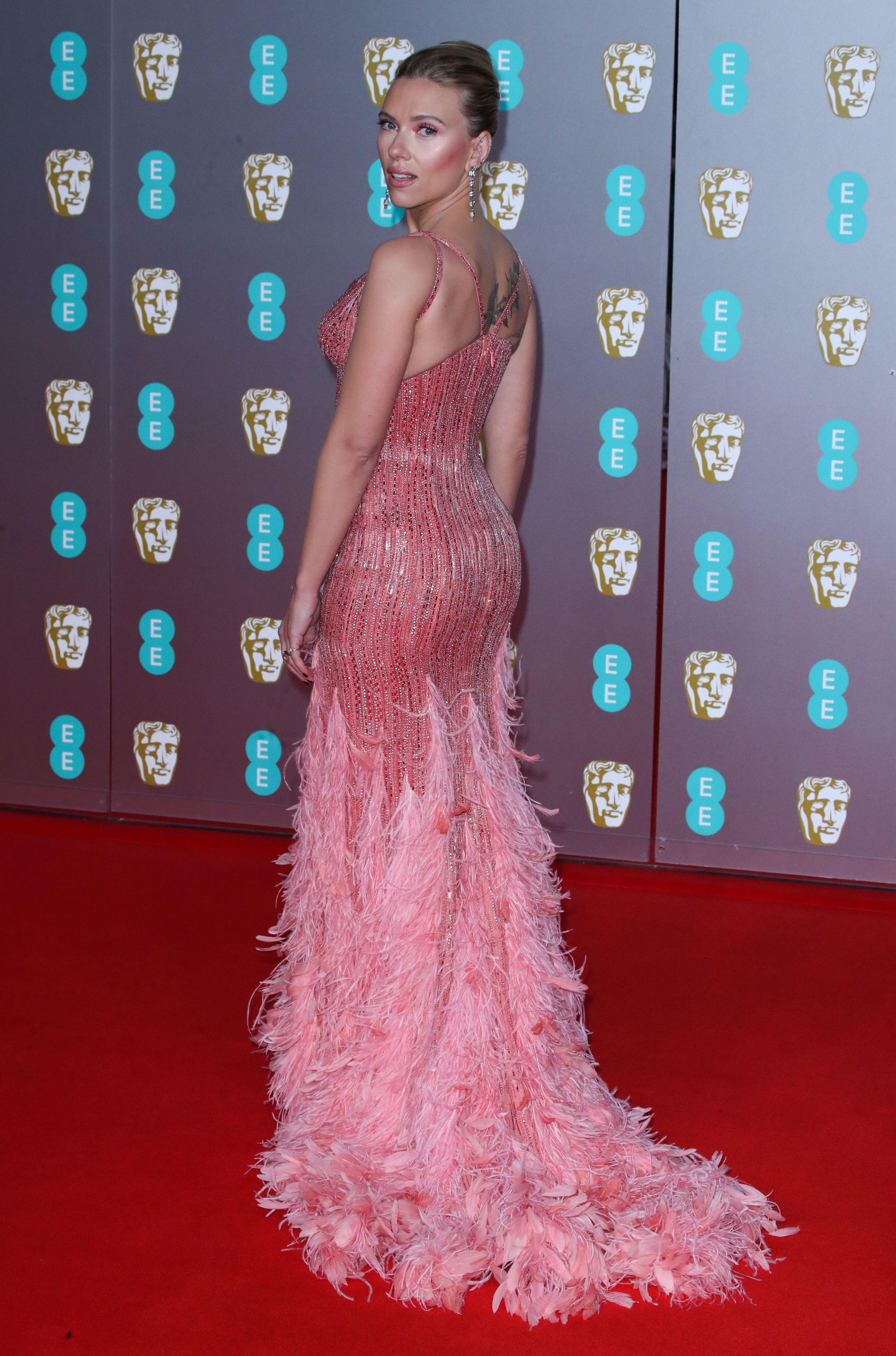 فستان سكارليت جونسون Scarlett Johansson