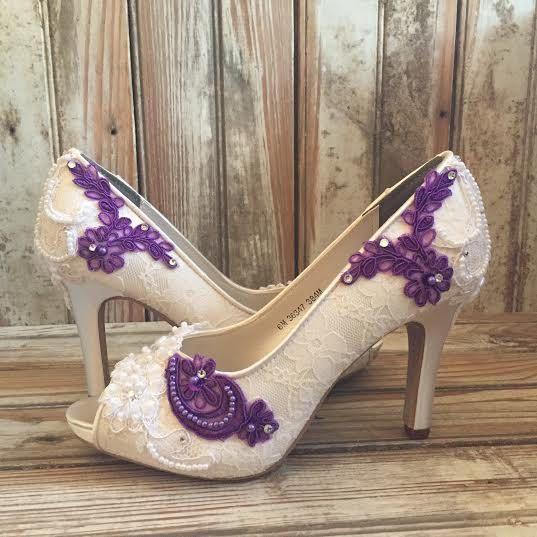 أحذية عرائس من الدانتيل
