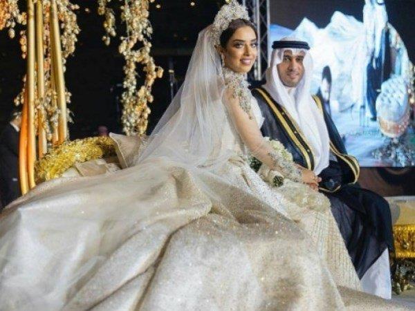2b3a129df من هي النجمة الخليجية الأكثر أناقة بفستان الزفاف؟ | مجلة سيدتي