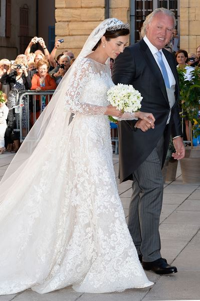 فساتين زفاف محتمشة من وحي أميرات العالم