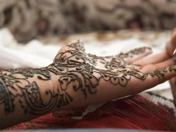 عروس عيون مصر-حناء العروس: تعرفي