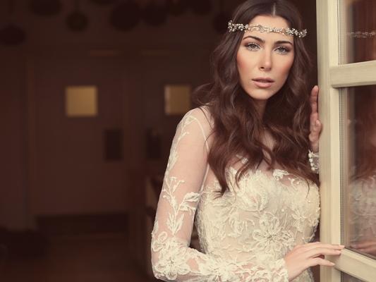 إطلالة مميزة للعروس دانييلا رحمة