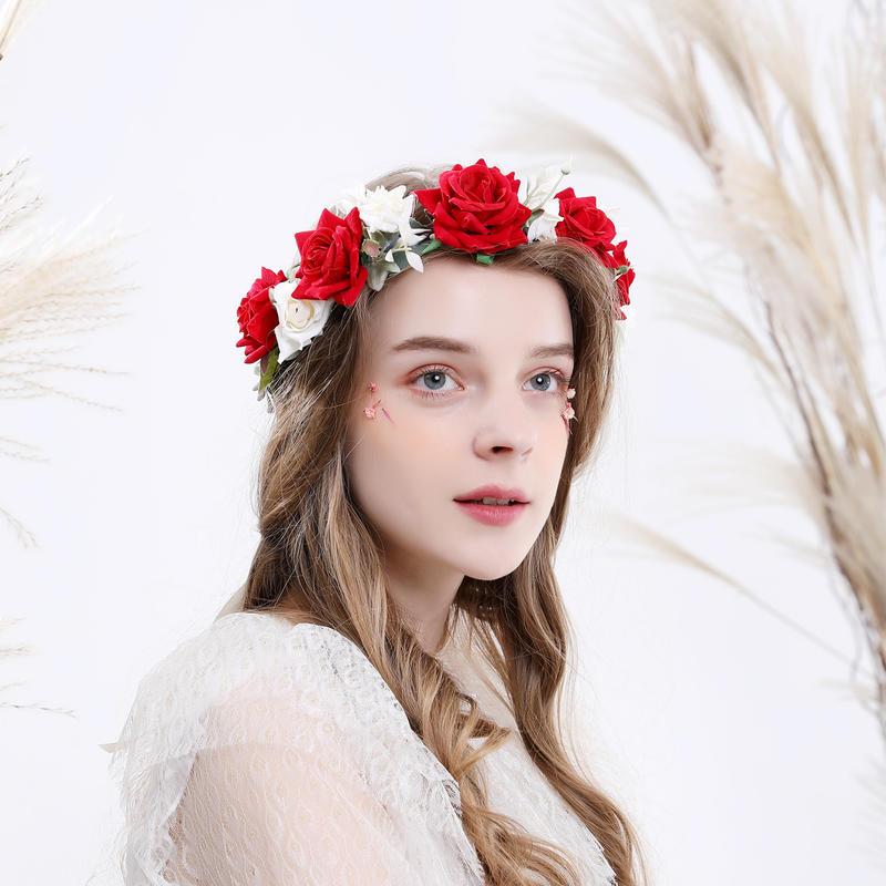 تاج من الورد الأحمر والأبيض