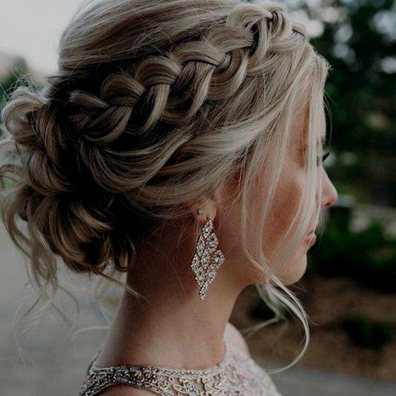 تسريحة شعر جدائل للعروس