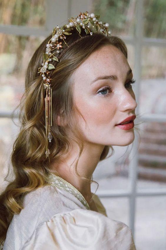 تسريحة شعر مموجة للعروس