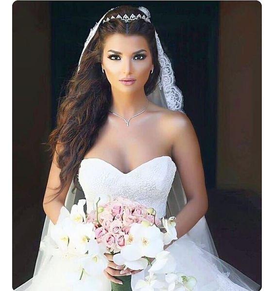 تسريحة شعر منسدل للعروس
