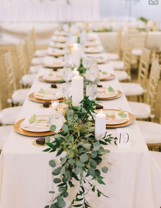 طاولات الزفاف بأوراق الأوكالبتوس