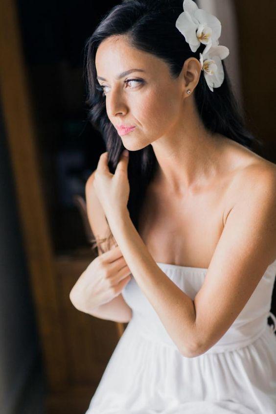 تزيين تسريحة العروس بأزهار الأوركيد