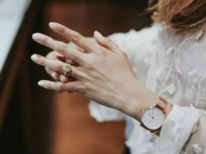 تعقيم خاتم الزفاف