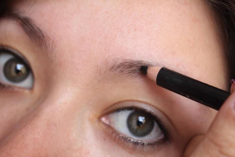 قلم الحواجب