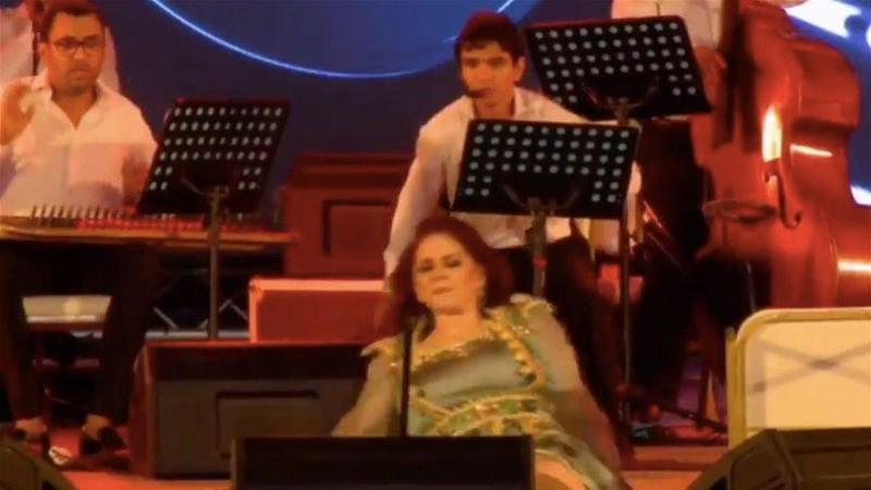 خلال سقوط ميادة الحناوي على المسرح