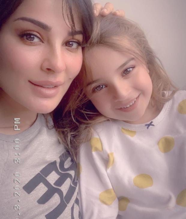 نادين نجيم مع ابنتها هافن