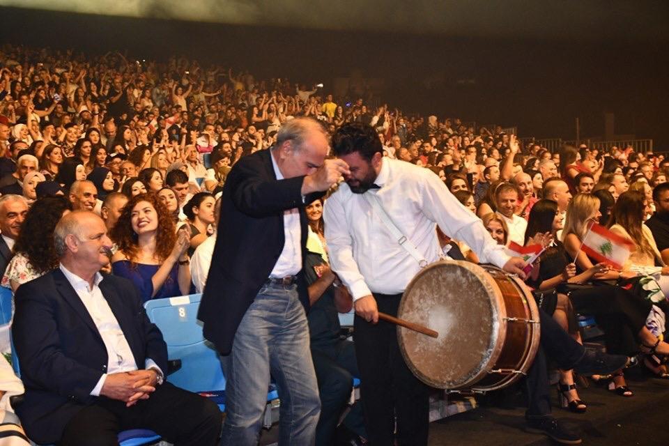 رقص الجمهور على أغاني ملحم زين