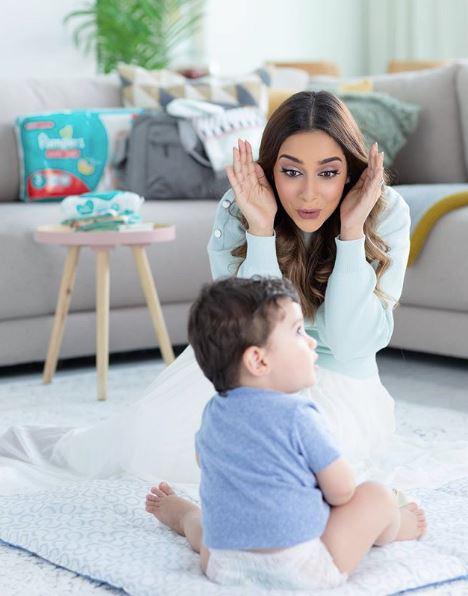 بلقيس وطفلها تركي