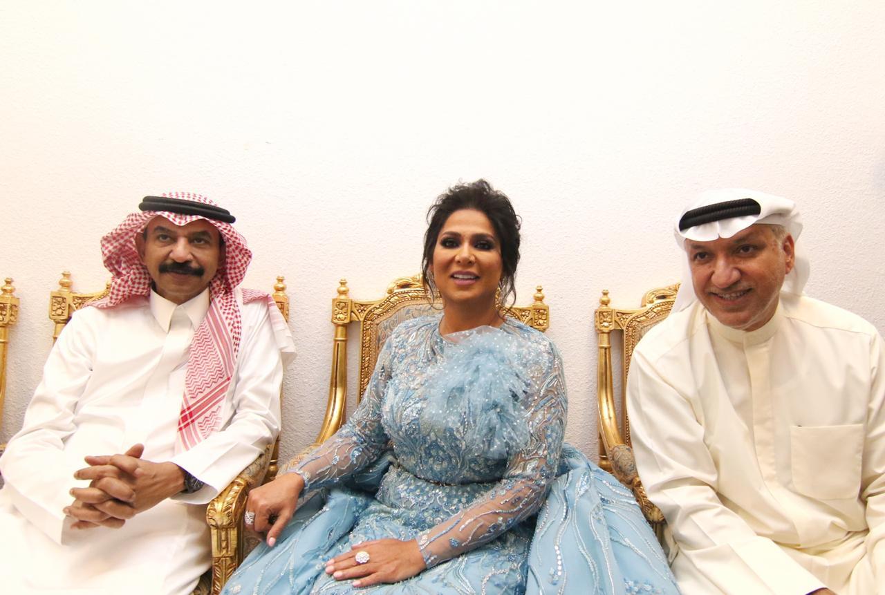 نوال الكويتية تتوسط سالم الهندي وعبادي الجوهر