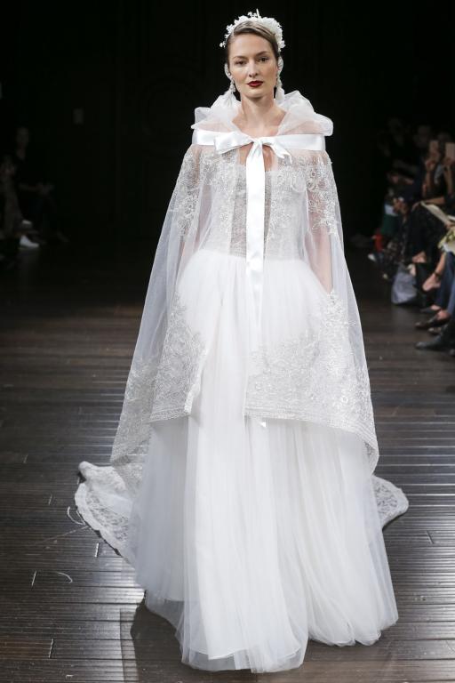 ec02682b3 موديلات فساتين زفاف عروس خريف 2018 | مجلة سيدتي