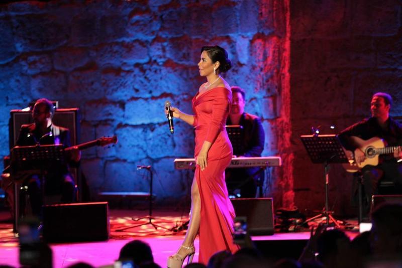من حفل غنائي للفنانة شيرين عبد الوهاب