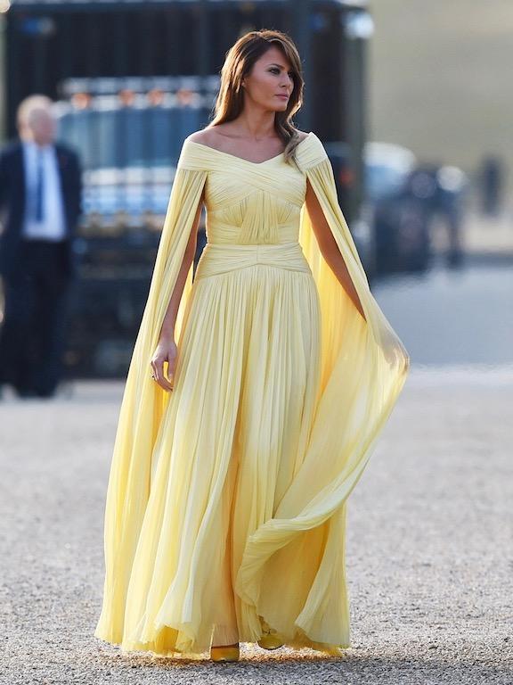 فستان أصفر  رائع من جاي منديل اختارته ميلانيا ترامب