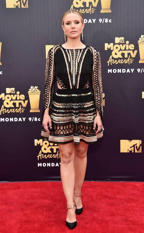 كريستيان بيل في فستان قصير